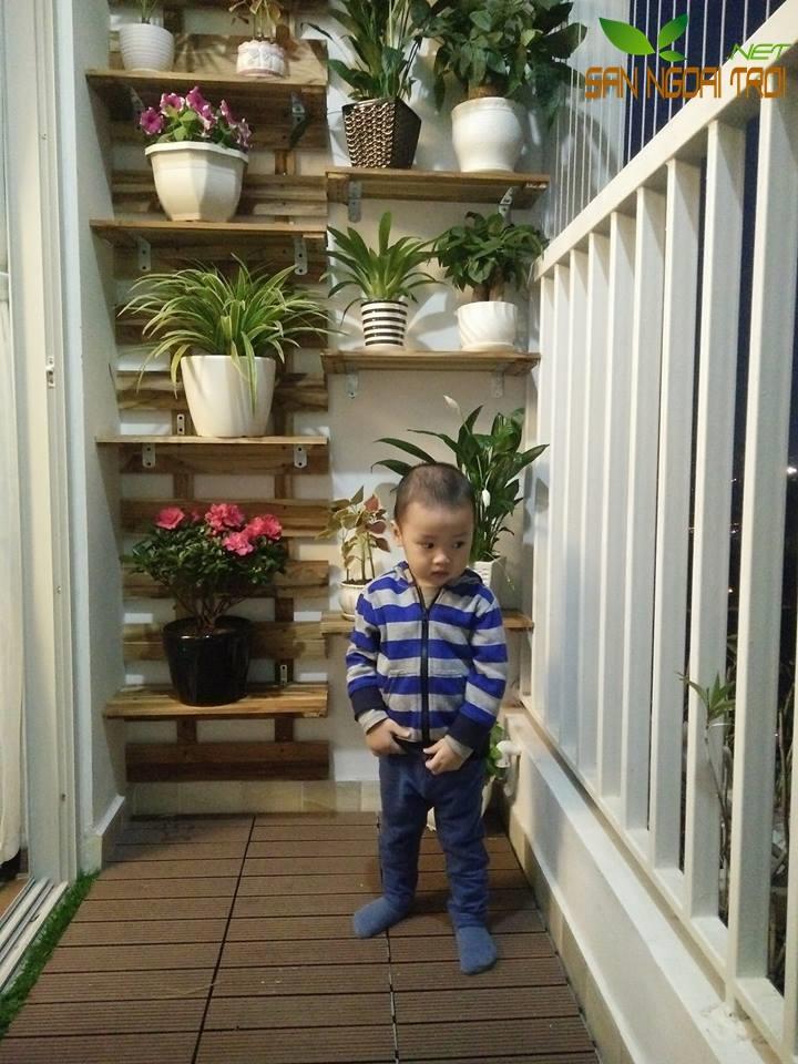 Giàn hoa ban công gỗ tự nhiên3