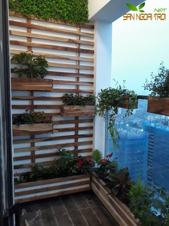 Giàn hoa ban công gỗ tự nhiên6