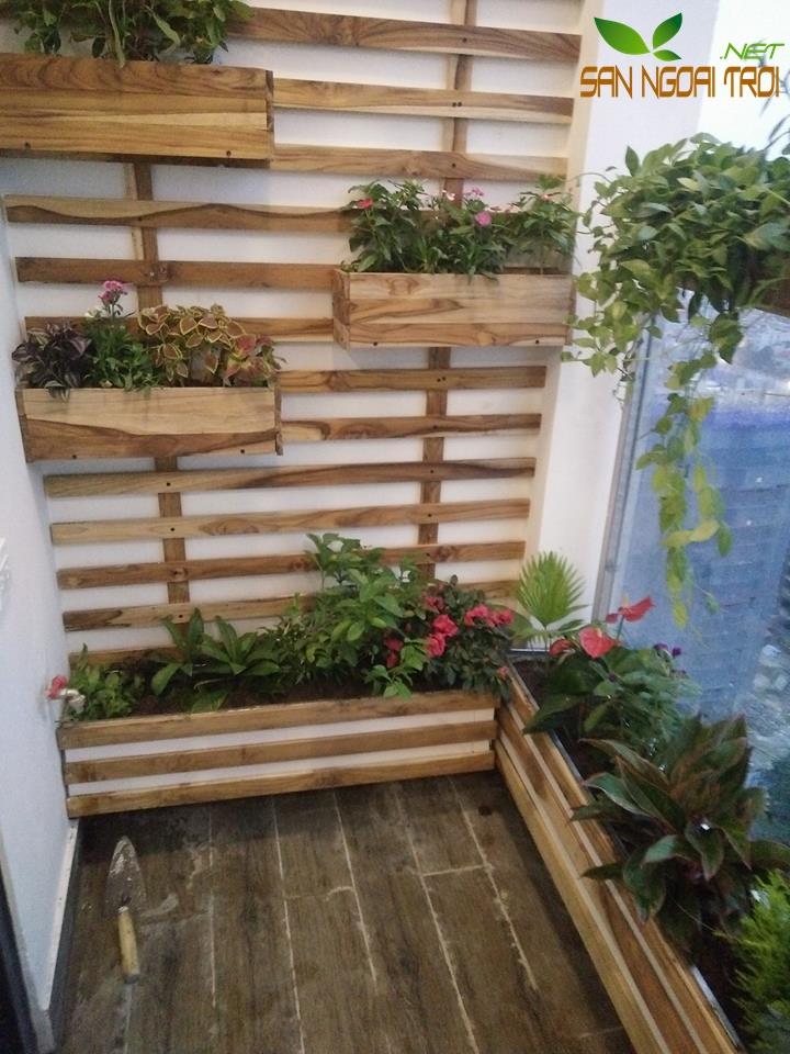 Giàn hoa ban công gỗ tự nhiên7